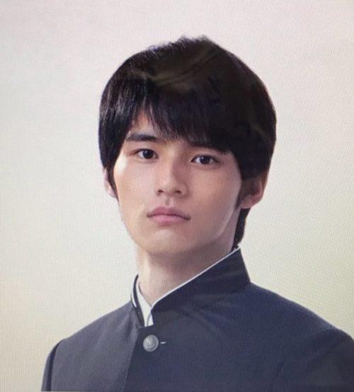 岡田健史の本名は?出身校から卒アルまで!そのプロフィールと素顔に迫る!